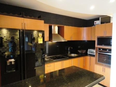 Apartamento Distrito Metropolitano>Caracas>La Boyera - Venta:72.000 Precio Referencial - codigo: 19-9510