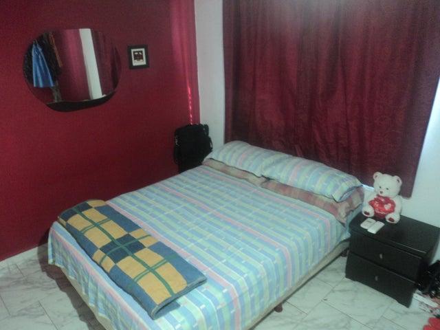 Apartamento Miranda>Cua>Villa Falcon - Venta:9.500 Precio Referencial - codigo: 19-9522
