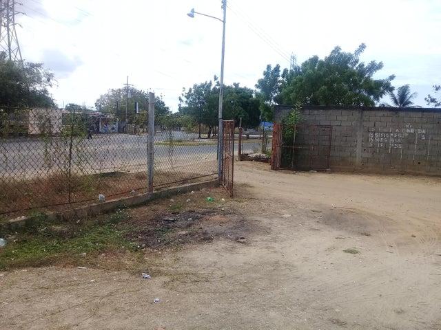 Terreno Zulia>Ciudad Ojeda>Cristobal Colon - Venta:1.800 Precio Referencial - codigo: 19-9521
