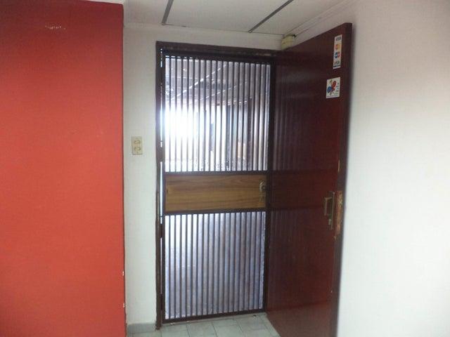 Oficina Carabobo>Valencia>Las Acacias - Alquiler:150 Precio Referencial - codigo: 19-9551