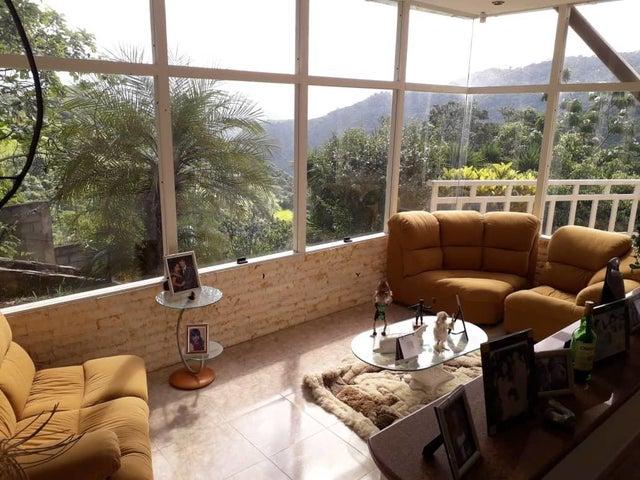 Casa Distrito Metropolitano>Caracas>Karimao Country - Venta:200.000 Precio Referencial - codigo: 19-9545