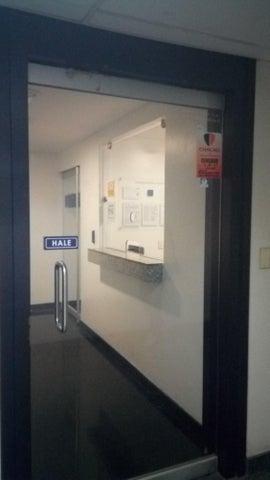 Oficina Distrito Metropolitano>Caracas>Los Palos Grandes - Alquiler:7.500 Precio Referencial - codigo: 19-9552