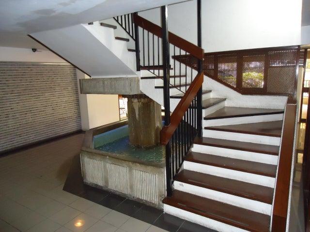 Apartamento Distrito Metropolitano>Caracas>Caurimare - Venta:85.000 Precio Referencial - codigo: 19-9554