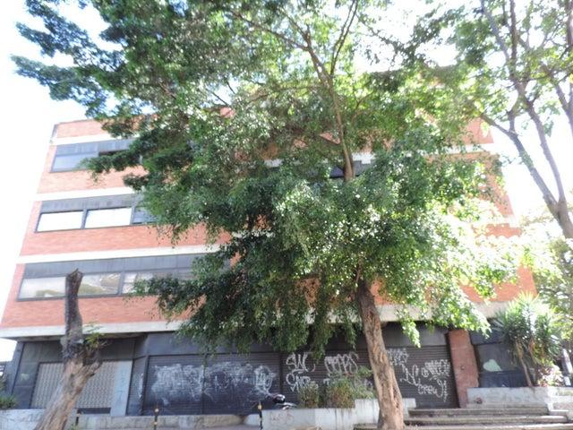 Edificio Distrito Metropolitano>Caracas>La Urbina - Venta:3.100.000 Precio Referencial - codigo: 19-9561