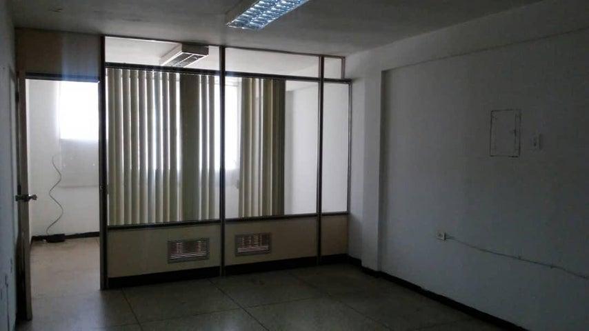 Local Comercial Zulia>Maracaibo>Avenida Bella Vista - Alquiler:120 Precio Referencial - codigo: 19-9574
