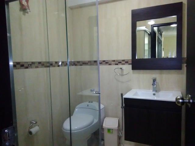 Apartamento Distrito Metropolitano>Caracas>Colinas de Quinta Altamira - Venta:120.000 Precio Referencial - codigo: 19-9581