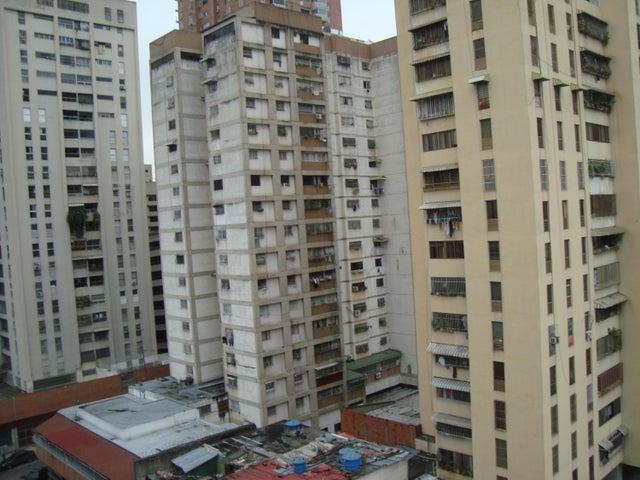 Apartamento Distrito Metropolitano>Caracas>San Bernardino - Alquiler:150 Precio Referencial - codigo: 19-9582