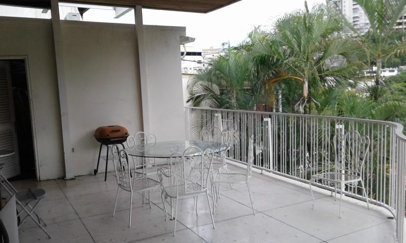 Casa Distrito Metropolitano>Caracas>Colinas de Bello Monte - Venta:240.000 Precio Referencial - codigo: 19-9614