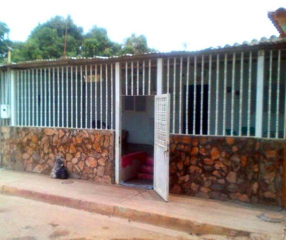 Casa Lara>Barquisimeto>Parroquia El Cuji - Venta:4.000 Precio Referencial - codigo: 19-9597
