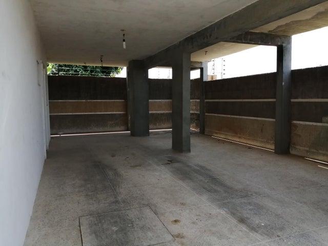 Townhouse Zulia>Ciudad Ojeda>Calle Piar - Venta:24.000 Precio Referencial - codigo: 19-9621