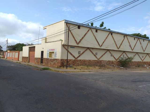 Casa Falcon>Coro>Sector San Jose - Venta:12.000 Precio Referencial - codigo: 19-9633