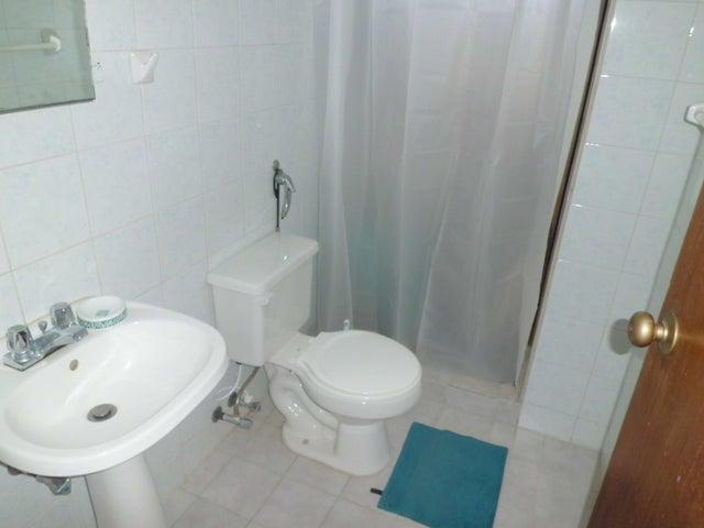 Apartamento Carabobo>Valencia>Campo Alegre - Venta:60.000 Precio Referencial - codigo: 19-9657