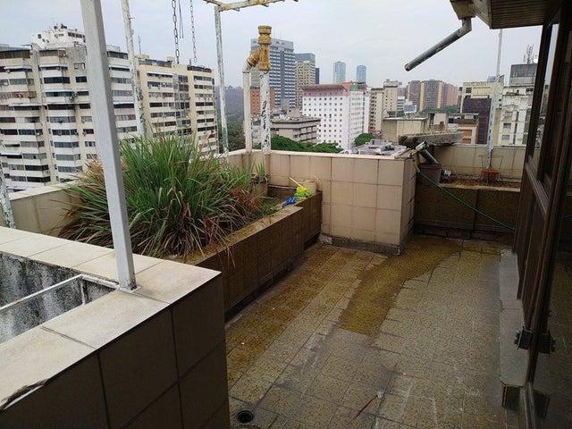 Apartamento Distrito Metropolitano>Caracas>La Florida - Venta:120.000 Precio Referencial - codigo: 19-9656