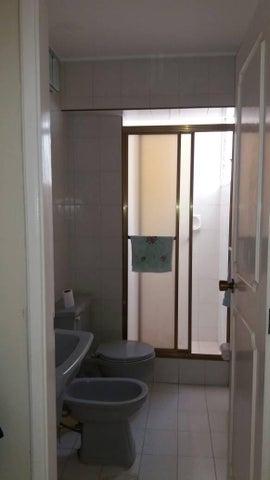 Apartamento Vargas>La Guaira>Sector las Quince Letras - Venta:35.000 Precio Referencial - codigo: 19-9667