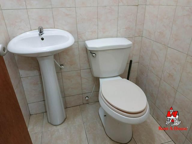 Local Comercial Aragua>Maracay>Santa Rosa - Alquiler:130 Precio Referencial - codigo: 19-9738
