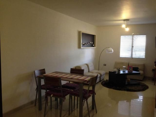 Townhouse Zulia>Maracaibo>Avenida Goajira - Alquiler:240 Precio Referencial - codigo: 19-9755