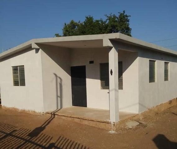 Casa Zulia>Maracaibo>Sierra Maestra - Venta:8.000 Precio Referencial - codigo: 19-9757