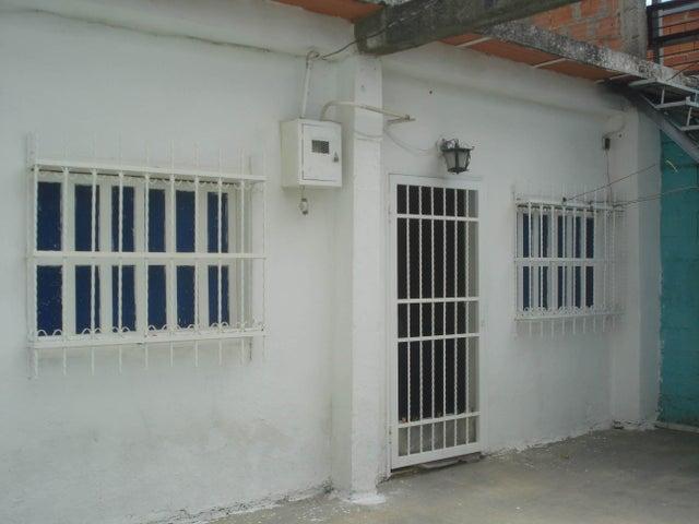Casa Aragua>Turmero>El Macaro - Venta:8.500 Precio Referencial - codigo: 19-9760