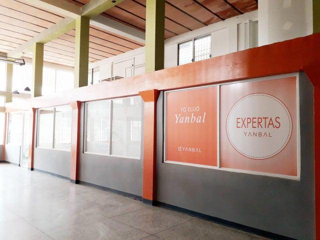 Edificio Falcon>Coro>Centro - Venta:210.000 Precio Referencial - codigo: 19-9763