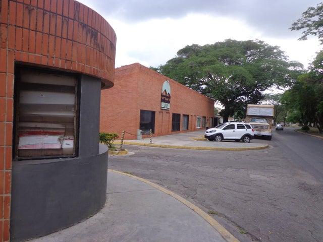 Local Comercial Aragua>La Victoria>Centro - Venta:9.800 Precio Referencial - codigo: 19-9773