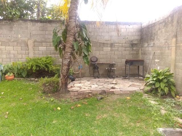 Casa Lara>Cabudare>Parroquia Jose Gregorio - Venta:18.000 Precio Referencial - codigo: 19-16055