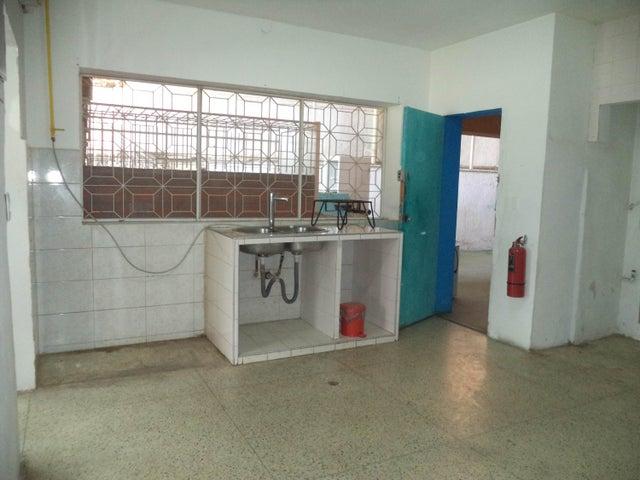 Local Comercial Distrito Metropolitano>Caracas>Colinas de Bello Monte - Venta:100.000 Precio Referencial - codigo: 18-5952