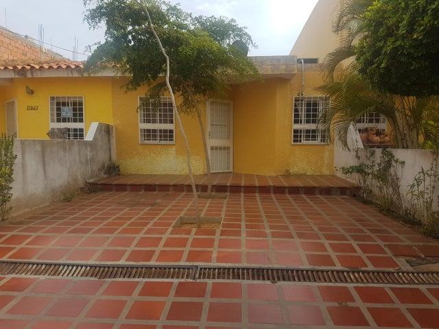 Townhouse Zulia>Maracaibo>Santa Fe - Venta:17.500 Precio Referencial - codigo: 19-9860