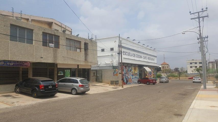 Local Comercial Zulia>Maracaibo>Avenida Bella Vista - Alquiler:60 Precio Referencial - codigo: 19-9859