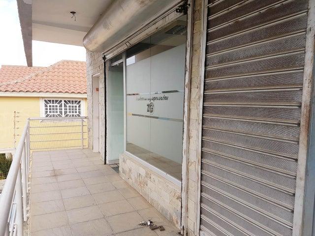 Local Comercial Falcon>Coro>Av Ramon Antonio Medina - Venta:15.000 Precio Referencial - codigo: 19-9865
