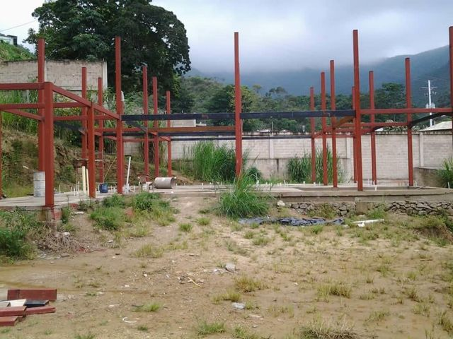 Terreno Aragua>Maracay>El Castaño (Zona Privada) - Venta:55.000 Precio Referencial - codigo: 19-9959