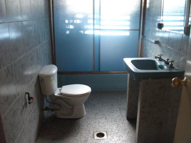 Local Comercial Zulia>Maracaibo>Paraiso - Alquiler:250 Precio Referencial - codigo: 19-9909