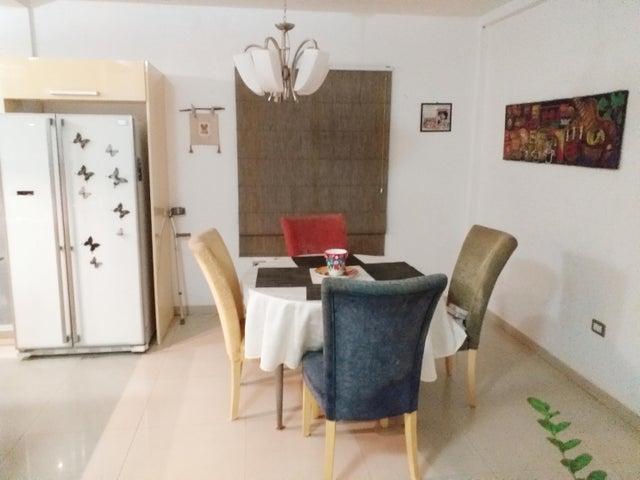Casa Falcon>Coro>Sector La Floresta - Venta:37.000 Precio Referencial - codigo: 19-9917