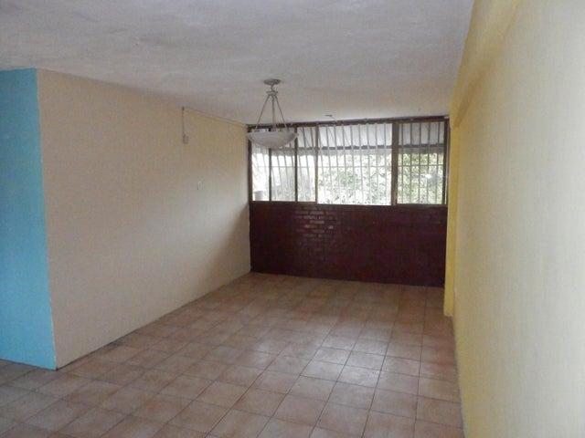 Apartamento Aragua>Maracay>Caña de Azucar - Venta:6.800 Precio Referencial - codigo: 19-9927