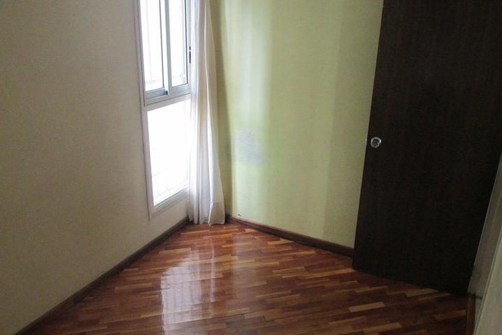 Apartamento Distrito Metropolitano>Caracas>Colinas de Bello Monte - Alquiler:450 Precio Referencial - codigo: 19-9985