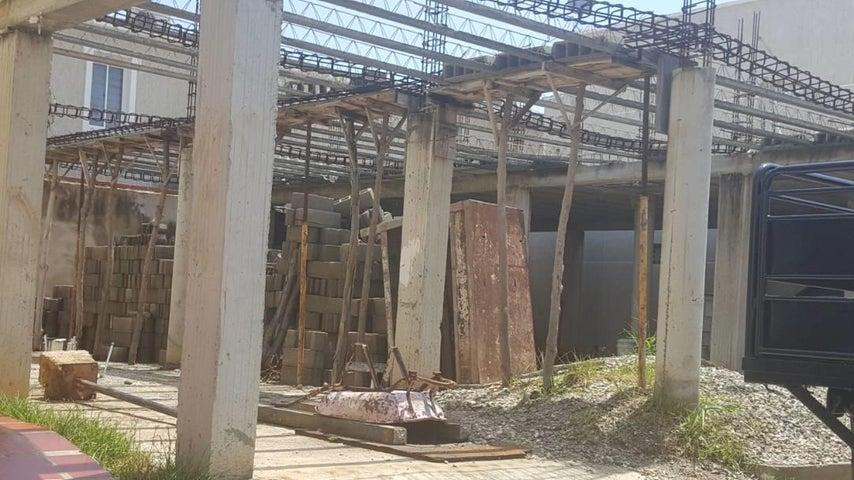 Terreno Zulia>Ciudad Ojeda>Calle Piar - Venta:10.000 Precio Referencial - codigo: 19-10011