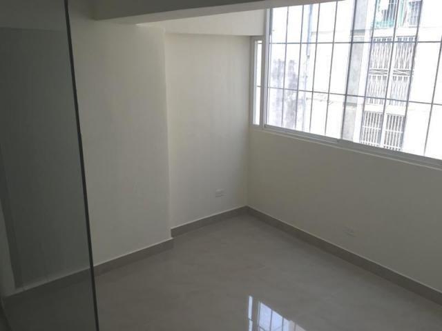 Oficina Distrito Metropolitano>Caracas>La Candelaria - Alquiler:300 Precio Referencial - codigo: 19-10025
