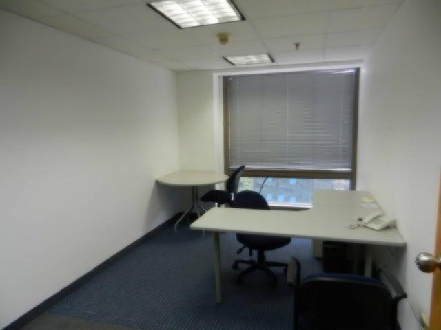 Oficina Distrito Metropolitano>Caracas>Chacao - Alquiler:1.200 Precio Referencial - codigo: 19-10043