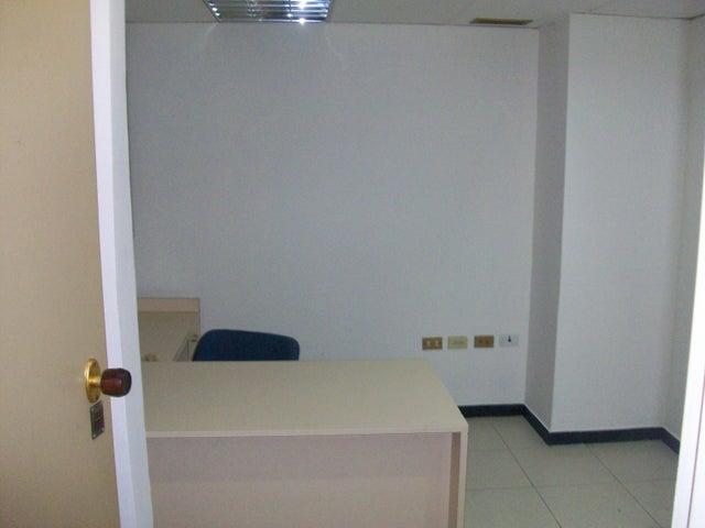 Oficina Distrito Metropolitano>Caracas>La Candelaria - Venta:90.000 Precio Referencial - codigo: 19-10083
