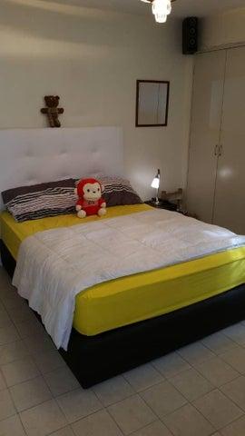 Apartamento Miranda>San Antonio de los Altos>Los Salias - Venta:32.000 Precio Referencial - codigo: 19-10048