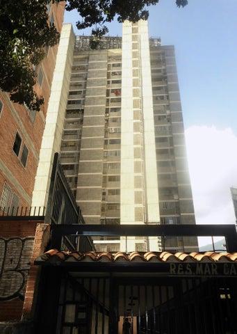 Apartamento Distrito Metropolitano>Caracas>Colinas de Bello Monte - Venta:85.000 Precio Referencial - codigo: 19-10057