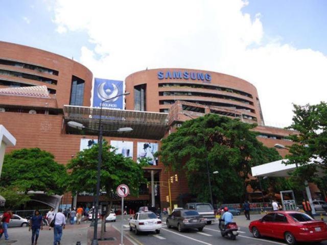 Local Comercial Distrito Metropolitano>Caracas>La Castellana - Venta:35.000 Precio Referencial - codigo: 19-10070