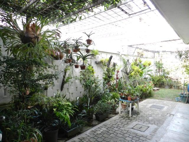 Apartamento Distrito Metropolitano>Caracas>La Castellana - Venta:350.000 Precio Referencial - codigo: 19-10093