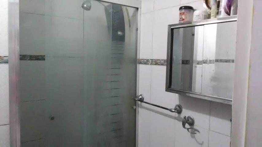 Apartamento Distrito Metropolitano>Caracas>La Pastora - Venta:24.000 Precio Referencial - codigo: 19-10073