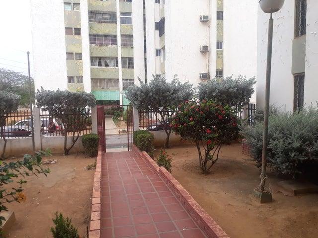 Apartamento Zulia>Maracaibo>La Florida - Venta:7.000 Precio Referencial - codigo: 19-10086
