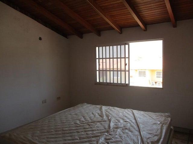 Townhouse Nueva Esparta>Margarita>Avenida Juan Bautista Arismendi - Venta:25.000 Precio Referencial - codigo: 19-10092