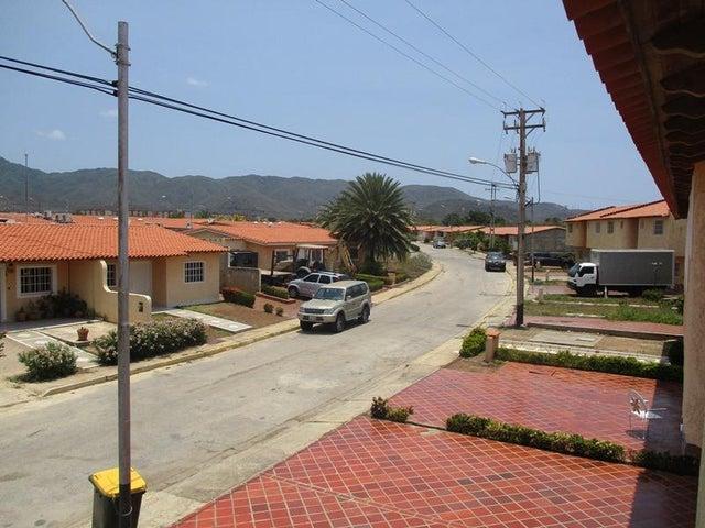 Townhouse Nueva Esparta>Margarita>Avenida Juan Bautista Arismendi - Venta:20.000 Precio Referencial - codigo: 19-10092