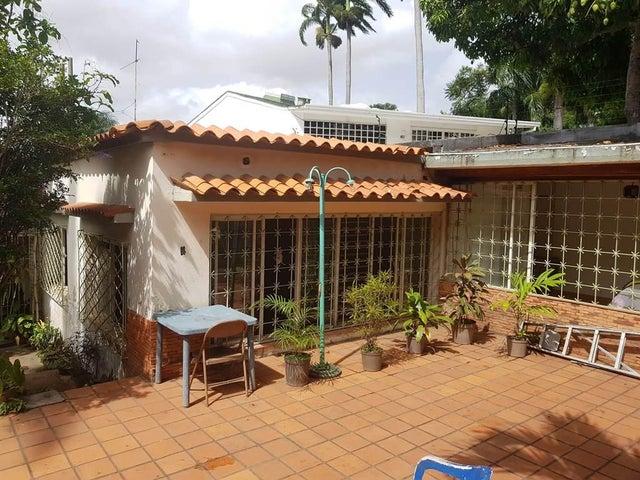 Terreno Distrito Metropolitano>Caracas>Los Chorros - Venta:130.000 Precio Referencial - codigo: 19-10117