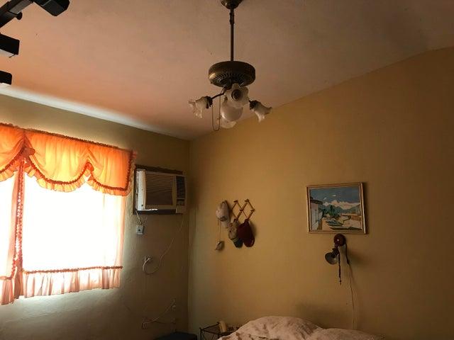 Casa Falcon>Punto Fijo>Los Caciques - Venta:20.000 Precio Referencial - codigo: 19-10156