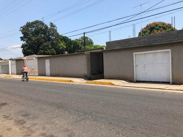 Apartamento Zulia>Ciudad Ojeda>Centro - Alquiler:90 Precio Referencial - codigo: 19-10136