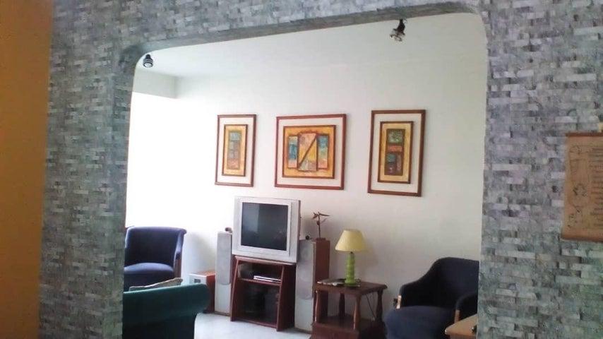 Apartamento Distrito Metropolitano>Caracas>Lomas del Avila - Venta:35.000 Precio Referencial - codigo: 19-10148